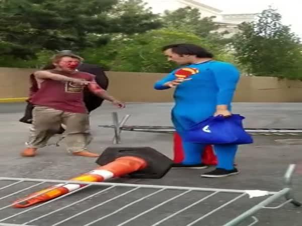 Superman vs. bezdomovec