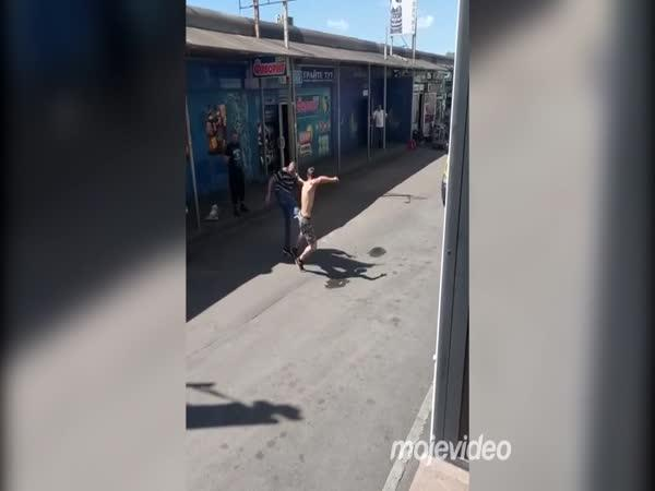 Souboj ruských opilých zápasníků