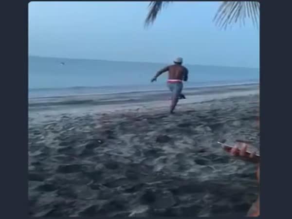 Instant karma na pláži #6
