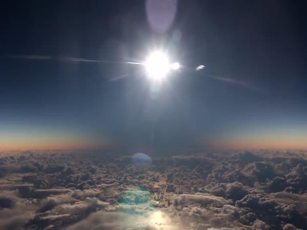 Zatmění slunce z letadla