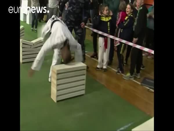 Tvrdohlavý taekwondo bojovník