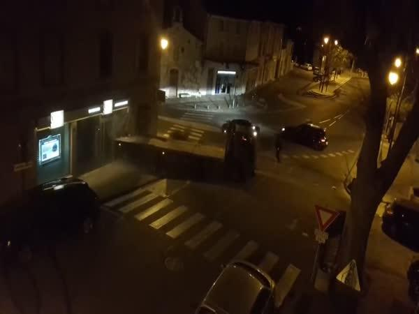 Pokus o krádež bankomatu ve Francii
