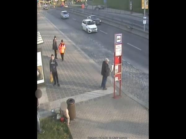 Útok na seniora v Praze