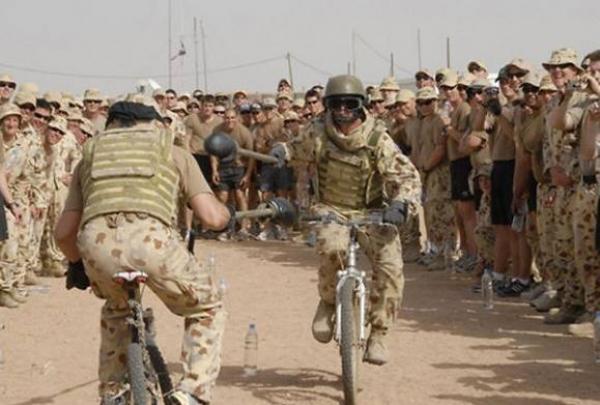 GALERIE - Když se vojáci nudí 2