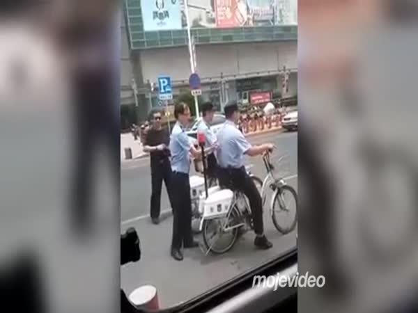 Práce čínských policistů