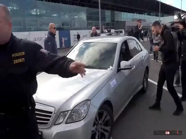 Taxikáři vs. Uber v Praze