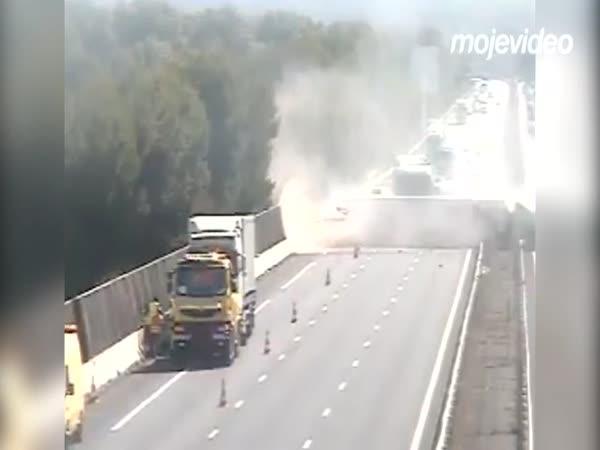 Když kamioňák nesleduje cestu