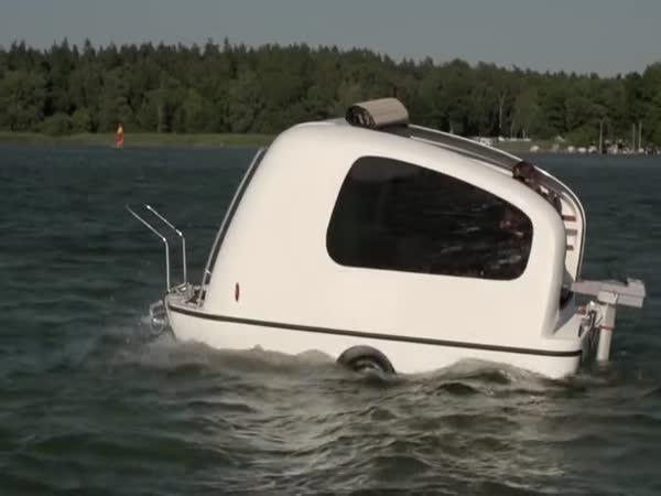 Mini jachta a karavan v jednom