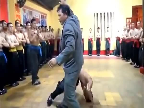Čínský mistr kung-fu v akci