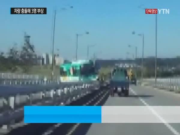 Nehoda autobusu v Koreji