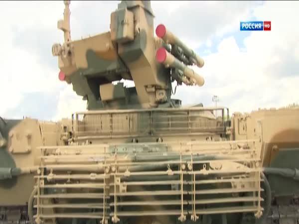 Ruské cvičení pomocí obrněného vozidla