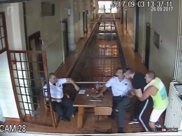 Útěk z bosenského vězení