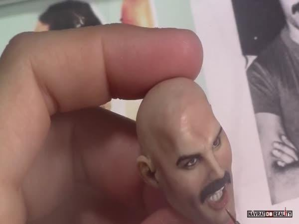 Soška Freddieho Mercuryho