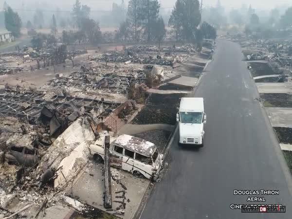 Po požáru v Kalifornii