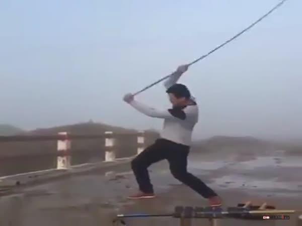 Test odolnosti rybářského prutu