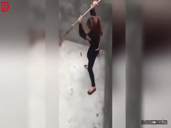 Žena vs. potkan