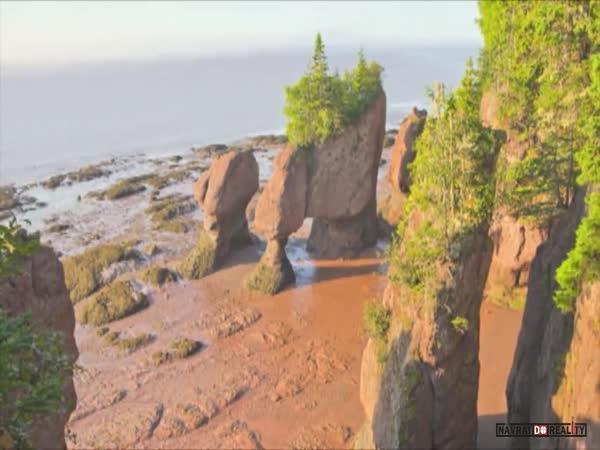 Příliv a odliv v Hopewell Rocks