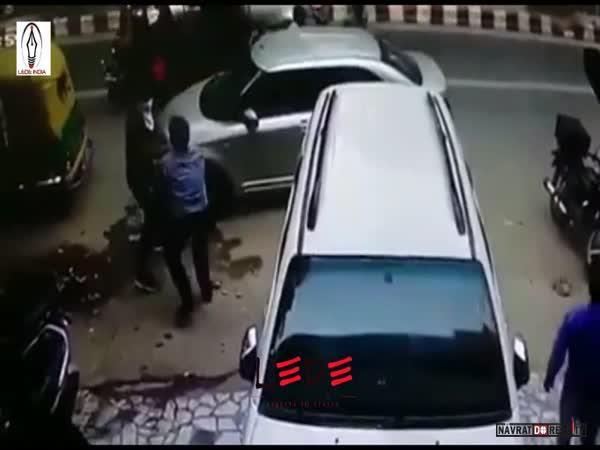 Loupež před bankou