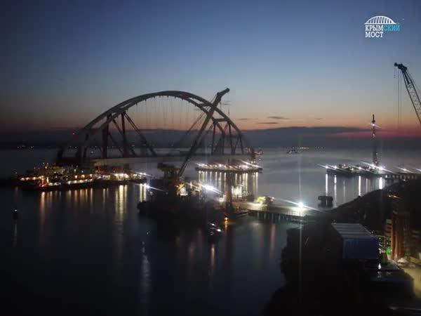 Instalace části mostu