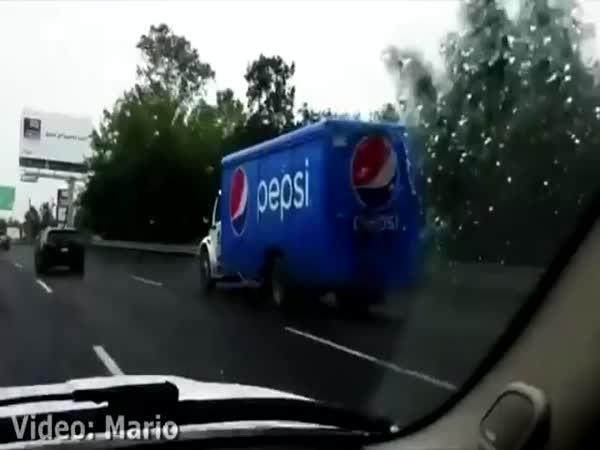 Malý řidič v Mexiku