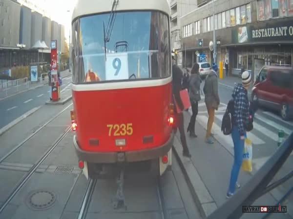 Situace z kabiny pražské tramvaje