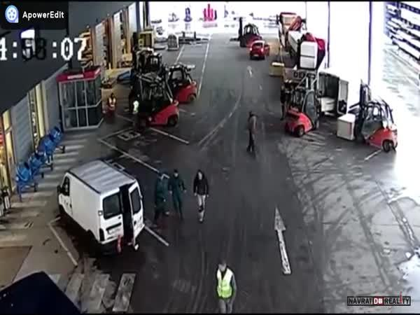 Zásah skladníků v Ostravě
