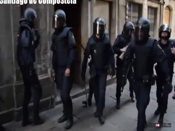 Policie vs. Antifa