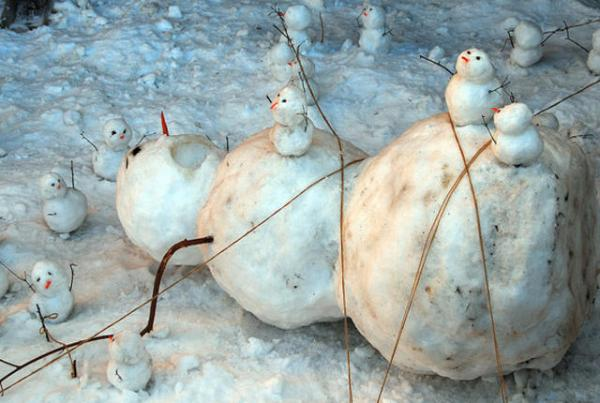GALERIE - Nejvtipnější sněhuláci 1
