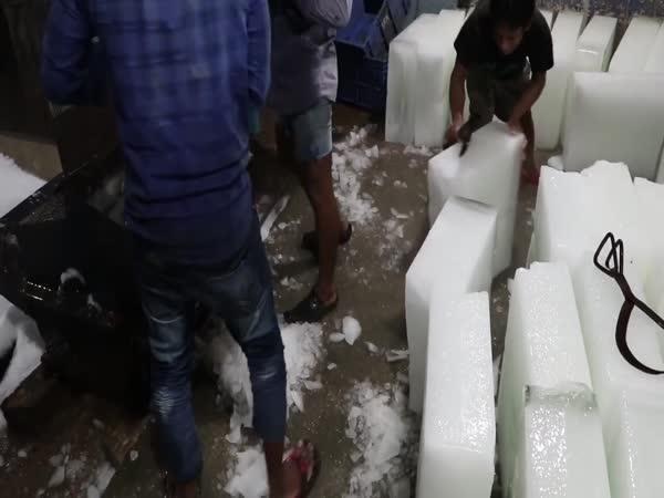 Indická továrna na výrobu ledu
