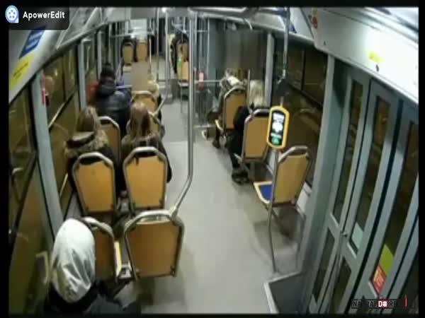 Útok v ostravské tramvaji