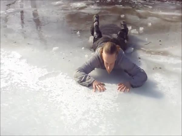 Jak se dostat ze zamrzlého jezera