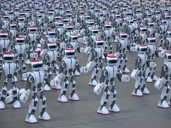 Nejvíce tancujících robotů - rekord