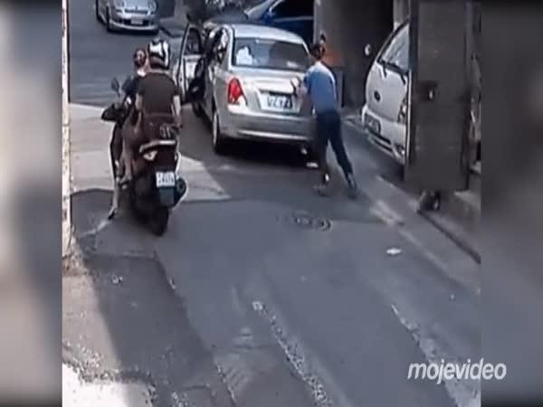 Čína: Já to auto zastavím