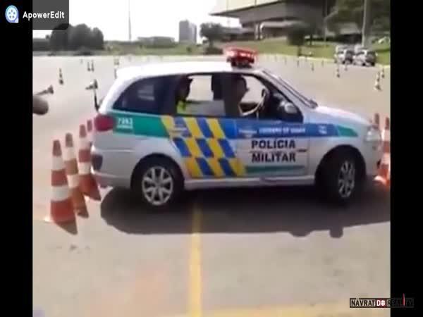 Řidičské umění brazilské policie