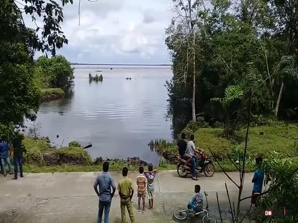 Mini tsunami v Indonésii