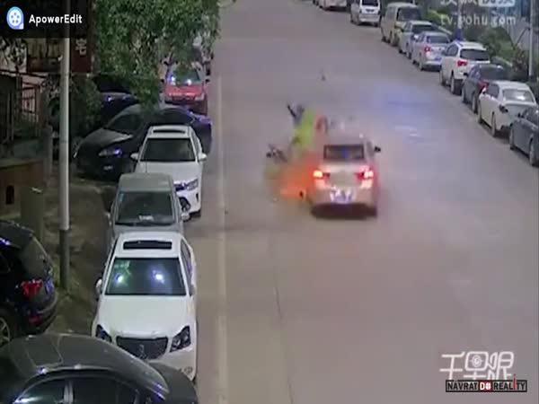 Opilec za volantem v Číně #7