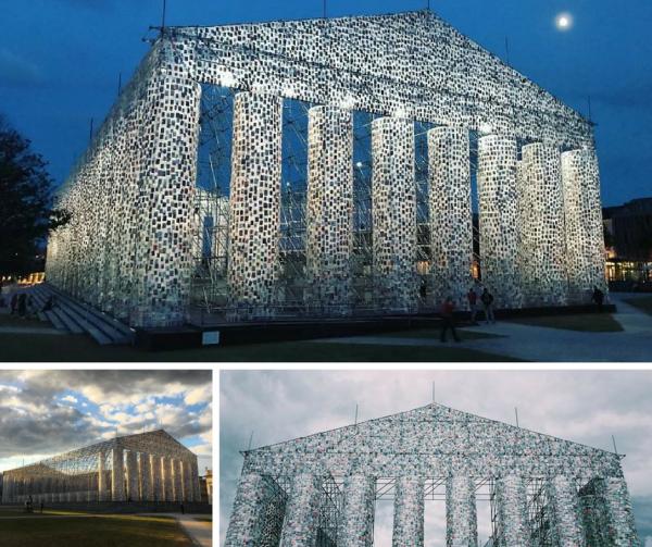 GALERIE – Parthenón ze 100 tisíc knih