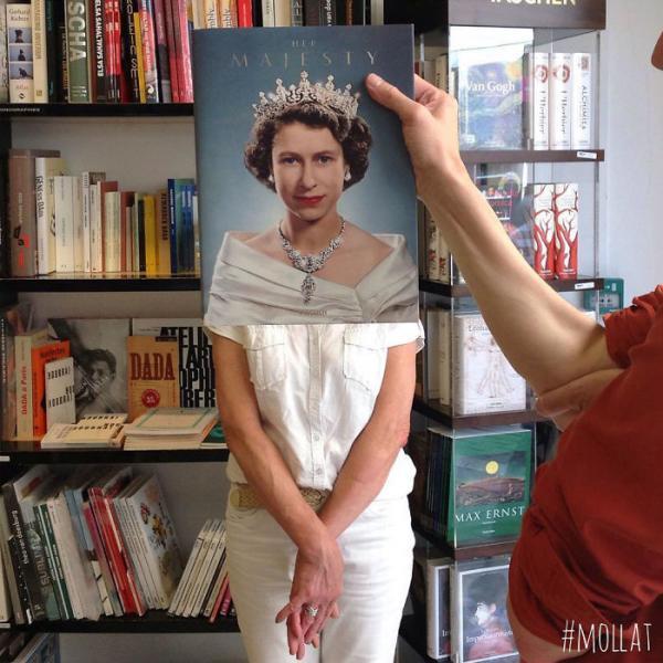 GALERIE -  Nuda v knihkupectví #1
