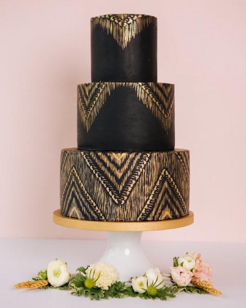 GALERIE – Černé svatební dorty