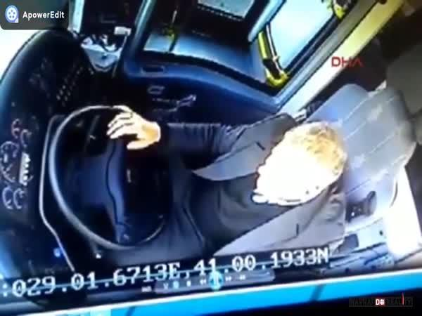 Smrtící autobus v Turecku