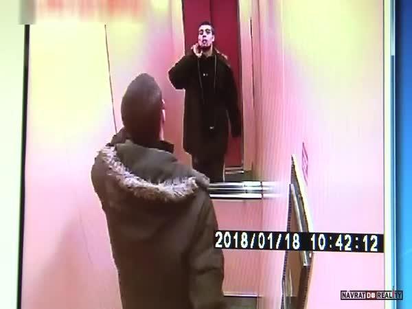 Krádež kočárku v Ostravě