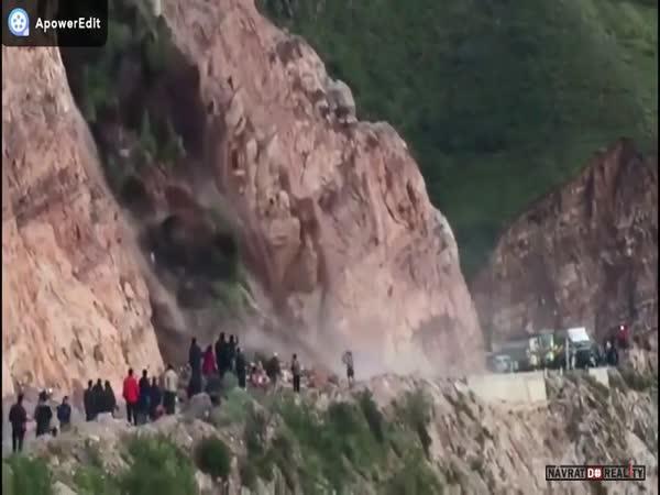 Smrtelný sesuv půdy v Peru
