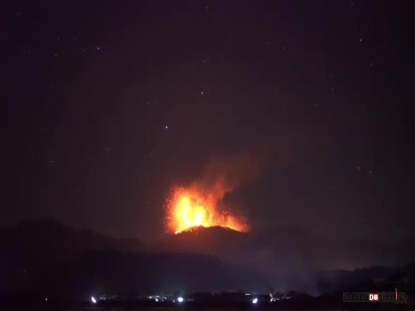 Erupce sopky Šinmoedake