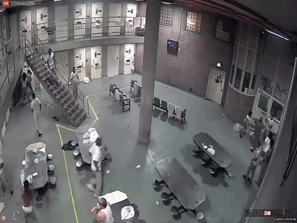 Bitka ve vězení v USA