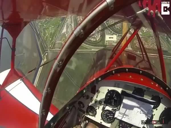 Potíže s motorem během letu