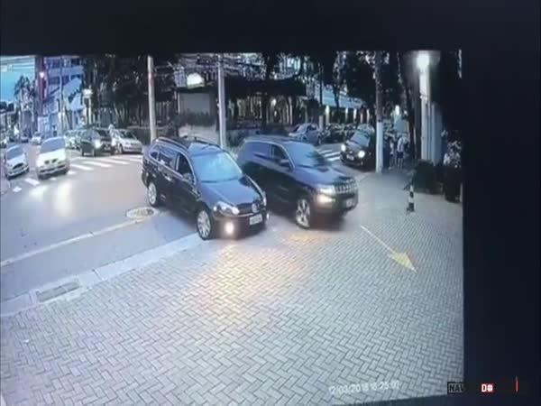 Dopravní nehoda #609