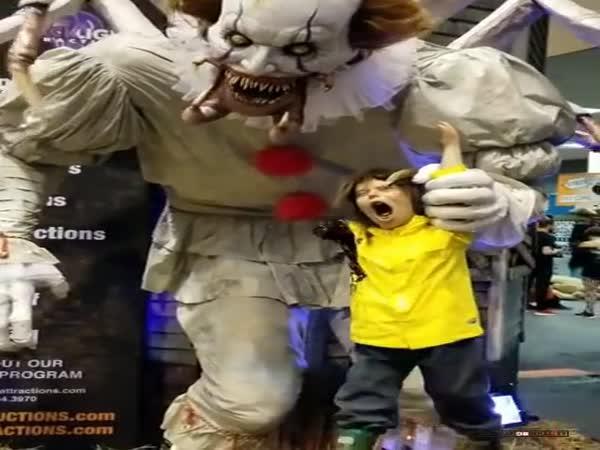 Animatronický klaun v USA