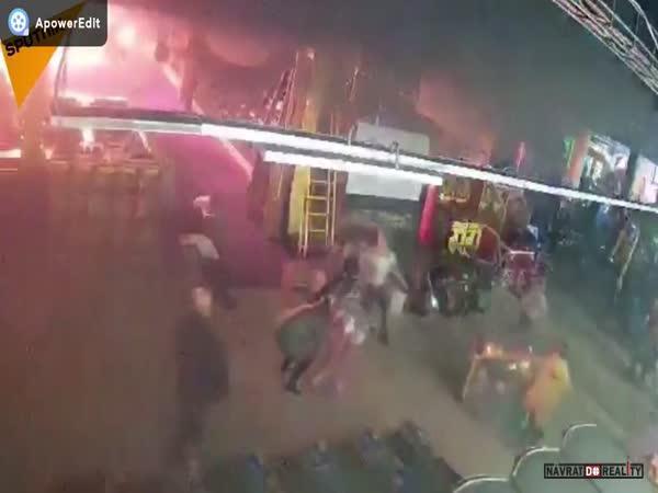 Požár obchodního domu v Rusku