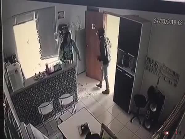 Útok na expřítelkyni