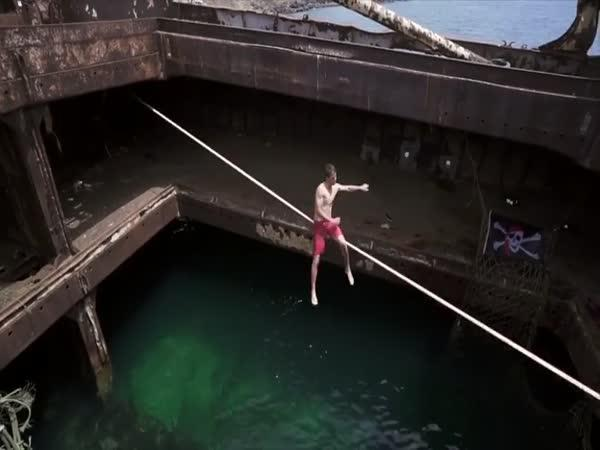 Lyell Grunberg - Slackline show